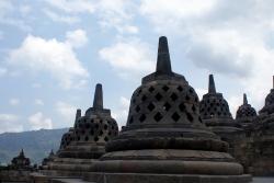 Eine Stupa - Mehrere Stupas? Stupen? Stupä?